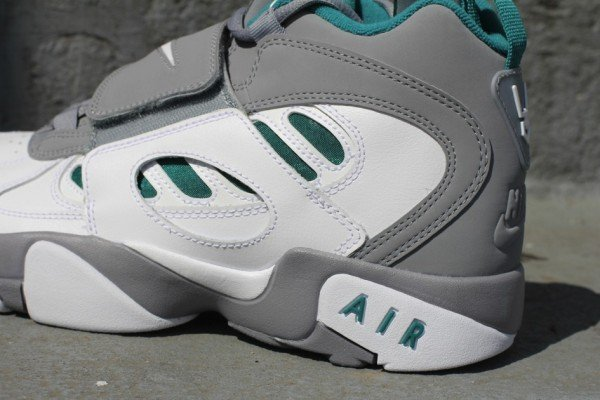 Nike Air Diamond Turf II 'Stealth'