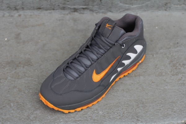 Nike Total Griffey Max 99 'Dark Grey/Vivid Orange'
