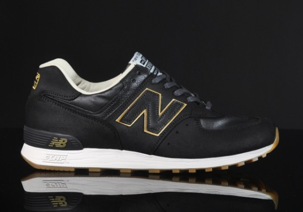white and gold new balance 574