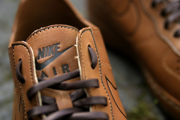 Release Reminder: Nike Air Force 1 Deconstruct Supreme'Hazelnut'
