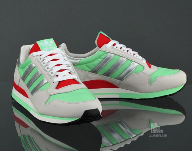 adidas-originals-zx-500-green-metallic-silver-now-available-2