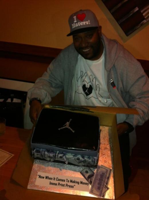 bun-b-celebrates-his-birthday-with-an-air-jordan-sneaker-box-cake-2