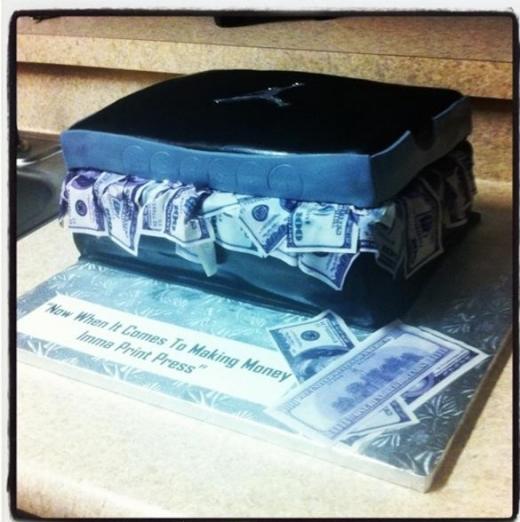 bun-b-celebrates-his-birthday-with-an-air-jordan-sneaker-box-cake-3