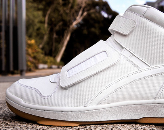chapter-reebok-cl-alien-stomper-white-gum-1