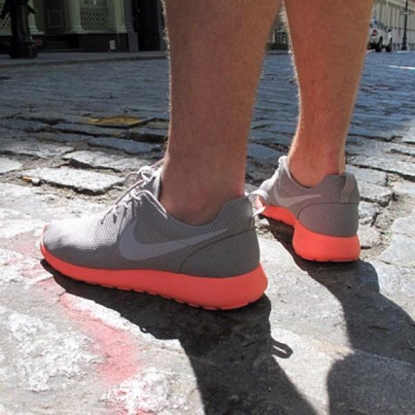 Nike Rosche Run 'Mango'