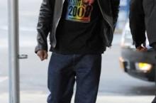 Celebrity Sneaker Watch: Jay-Z Hits Manhattan Streets in Son of Mars