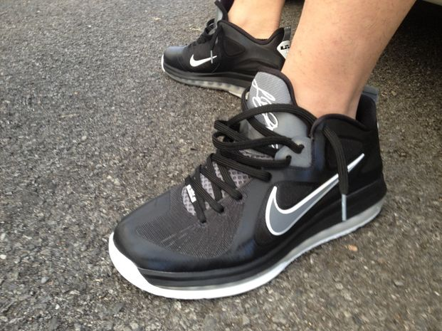 Nike LeBron 9 Low 'Black/Grey-White'
