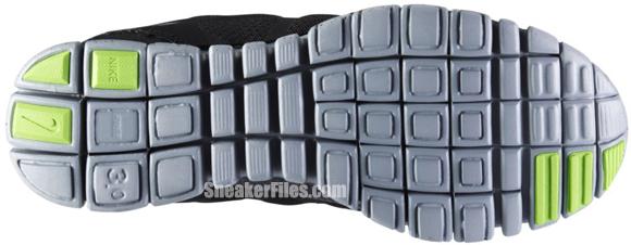 Release Reminder: Nike Free 3.0 V3 QS 'Black/White'