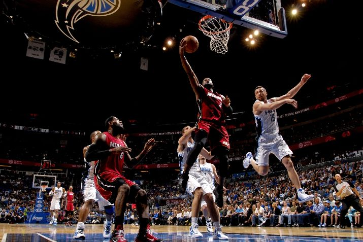 "Dwyane Wade Laces Up ""Last Shot"" Air Jordan XIV in OT Loss"