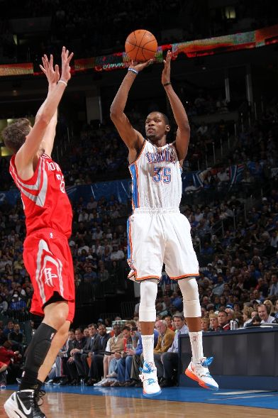 Kevin Durant Wears PE Colorway in Loss to Rockets