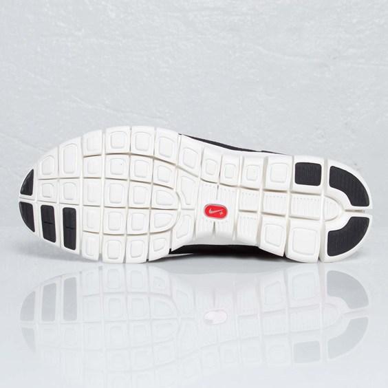 Nike Footscape Free 'Black/Sail'