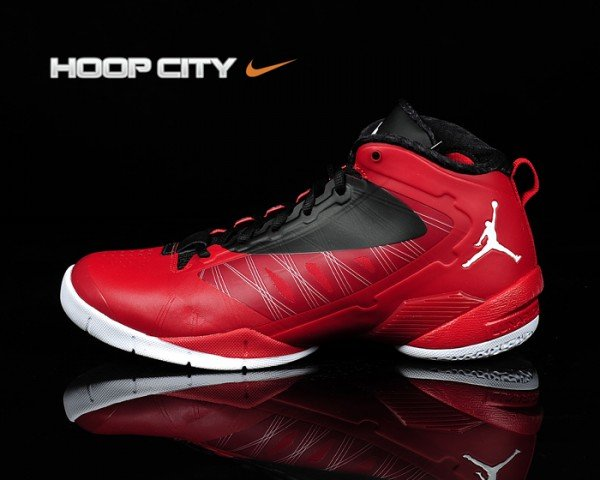 Jordan Fly Wade 2 EV 'Varsity Red/Black-White' Hitting Overseas Retailers