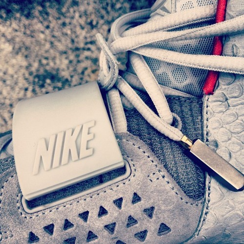 Nike Air Yeezy 2 'Wolf Grey/Pure Platinum' - New Images