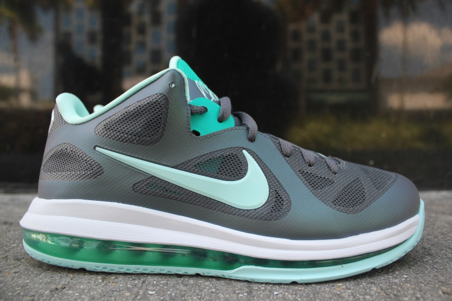 the best attitude 4a095 3faa1 Nike LeBron 9 Low Easter at Mr R Sports 30%OFF