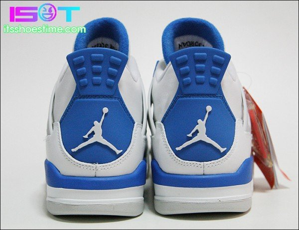 Air Jordan IV (4) 'Military Blue' - Detailed Images