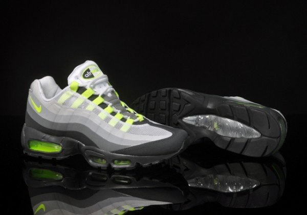 Nike Air Max 95 No-Sew 'Neon' - New Images