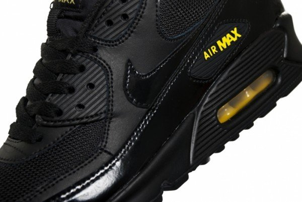 Nike Air Max 90 'Black/Golden Sash'