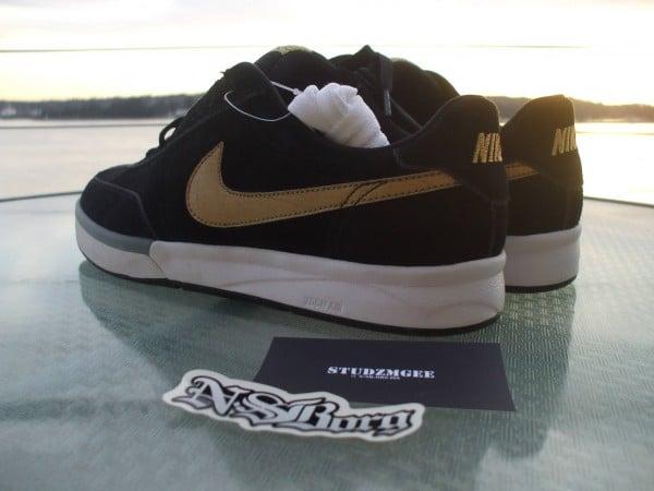 Nike SB Zoom FC x FP 'Takashi'