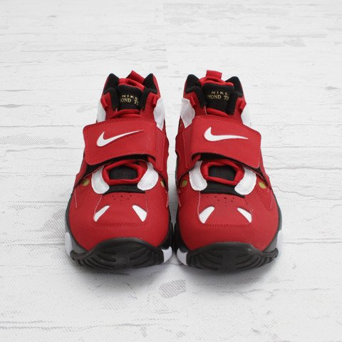Nike Air Diamond Turf II 'Varsity Red/White-Metallic Gold' at Concepts