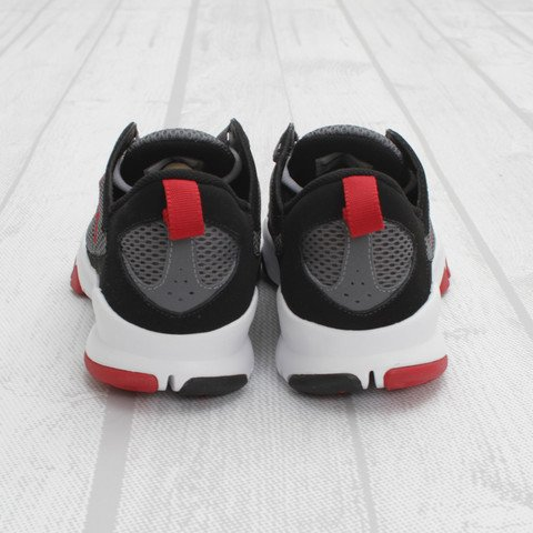 Jordan Trunner Dominate 'Black/Gym Red-Flint Grey'