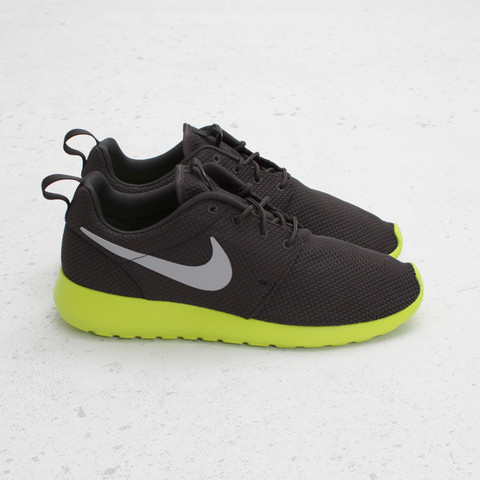 Nike Roshe Run 'Anthracite/Cyber' - Now Available at Concepts