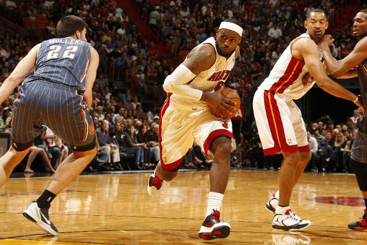 LeBron Laces Up Ambassador IV in Win Over Bobcats