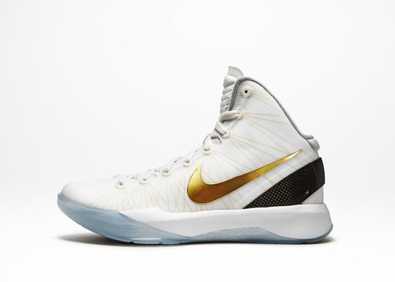Release Reminder: Nike Zoom Hyperdunk Elite 'Home'