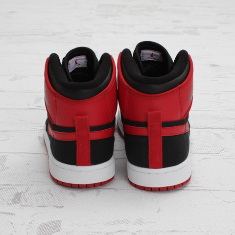 Air Jordan 1 Retro KO Hi 'Black/Varsity Red-White' - New Images