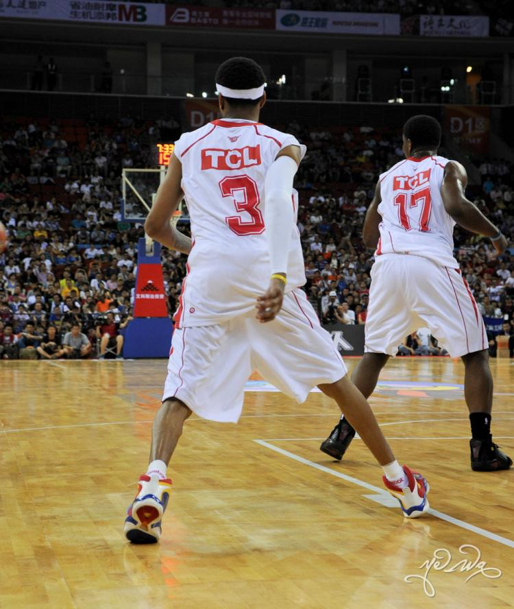 e0aa50ca9d6 Allen Iverson Rocks the Reebok Question 3 in China
