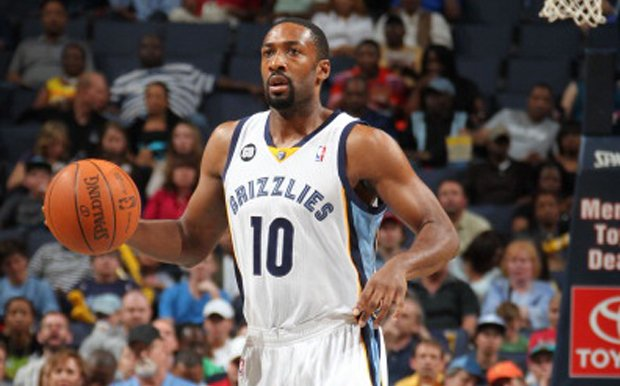 Gilbert Arenas Laces up the Air Jordan 4 'Military Blue'