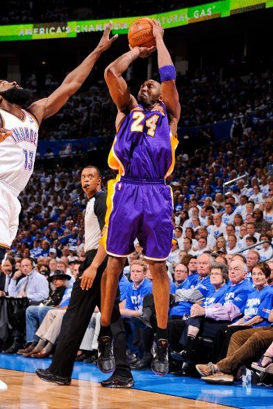 Kobe Dons Black PE for Game 2 Against OKC