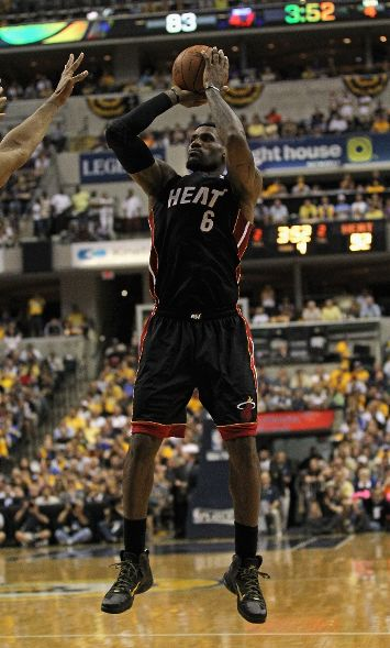 LeBron Drops 40 in the 'Away' P.S. Elite in Game 4