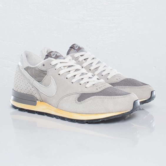 Nike Air Epic VNTG NRG 'Soft Grey/Light Bone-Medium Grey'