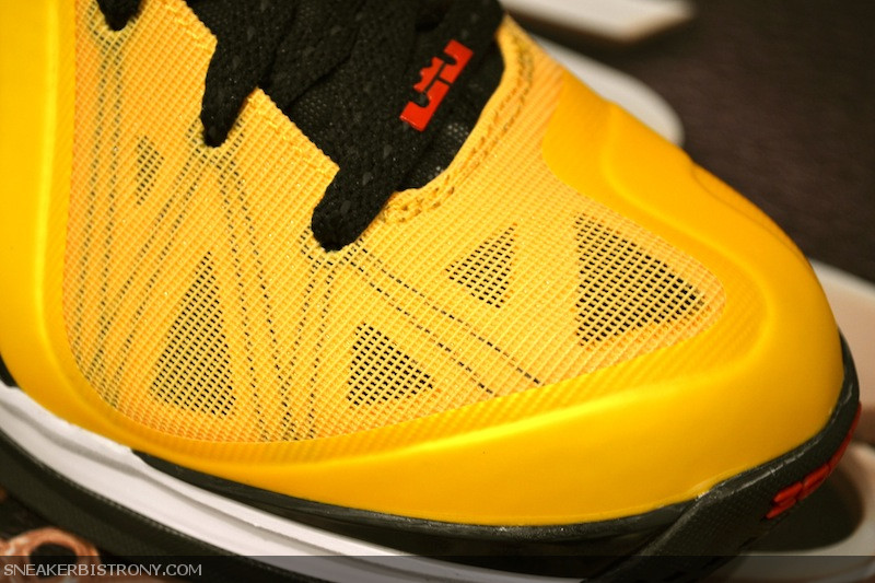 Nike LeBron 9 P.S. Elite 'Varsity Maize' and Accompanying Apparel