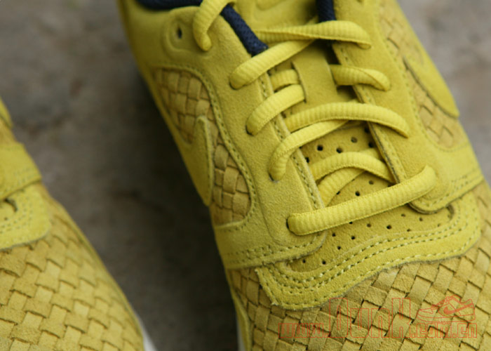 Nike Lunar Flow Woven QS 'Golden Sash/Golden Sash-Midnight Navy' - Another Look