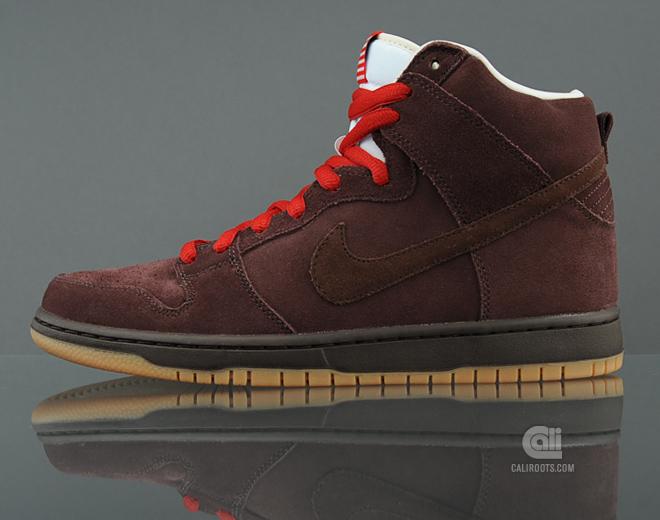 Nike SB Dunk High 'Budweiser