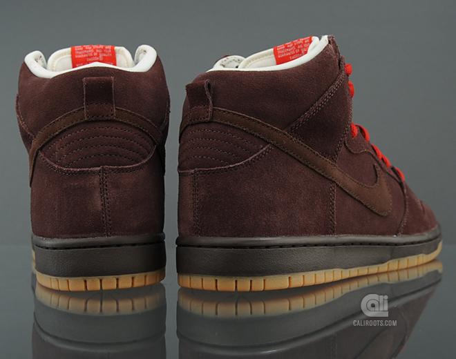 Nike SB Dunk High 'Budweiser'