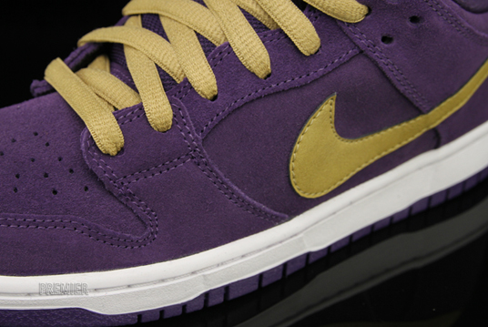 Nike SB Dunk Low 'Crown Royal'