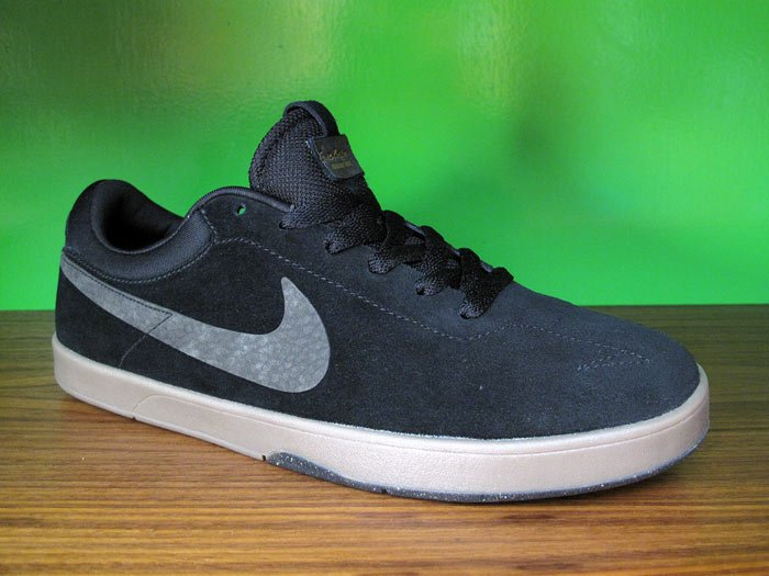 Nike SB Eric Koston 'Black/Black-Gum'