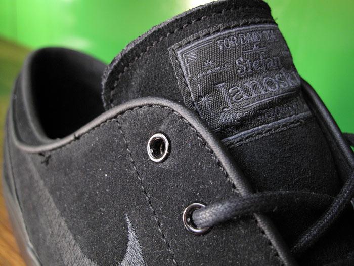 Nike SB Stefan Janoski 'Blackout'