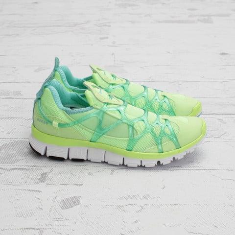 Nike Women s Kukini Free  Liquid Lime Tropical Twist-White ... 1d4b1d253