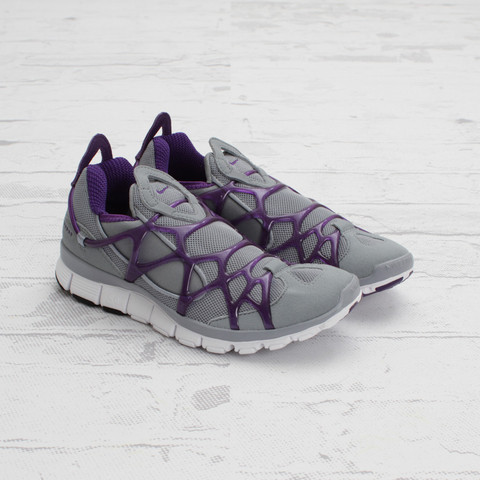 Nike Women's Kukini Free 'Stealth/Club Purple-White'