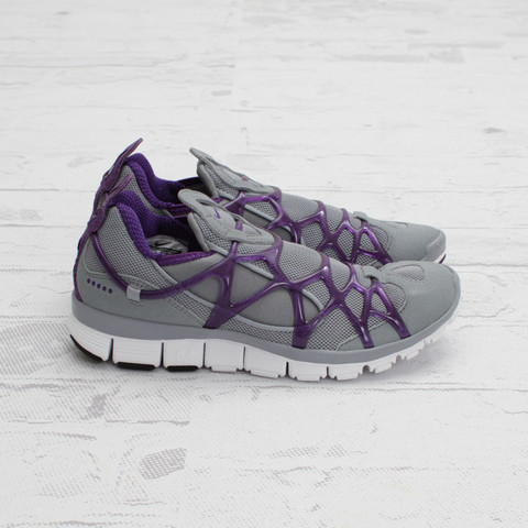 Nike Women's Kukini Free 'Stealth/Club Purple-White'