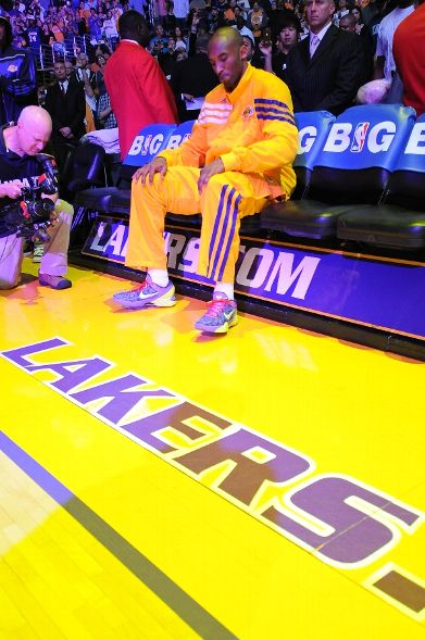 The Black Mamba Goes With Holiday Kicks for Game 4 vs. OKC