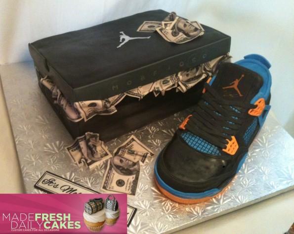 air-jordan-4-cavs-sneaker-cake-2
