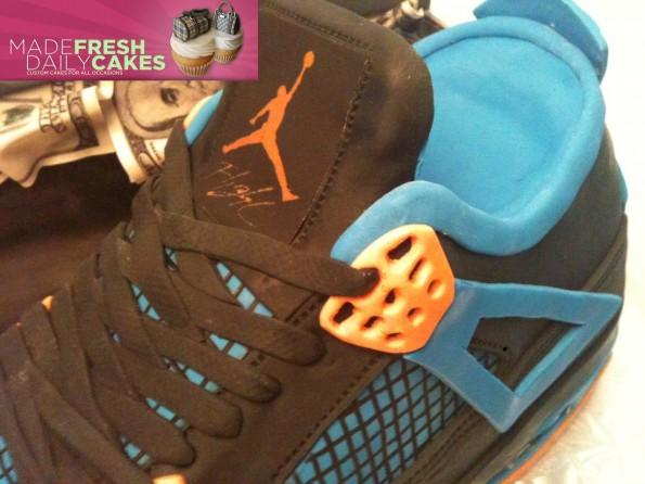 air-jordan-4-cavs-sneaker-cake-4