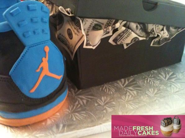 air-jordan-4-cavs-sneaker-cake-5