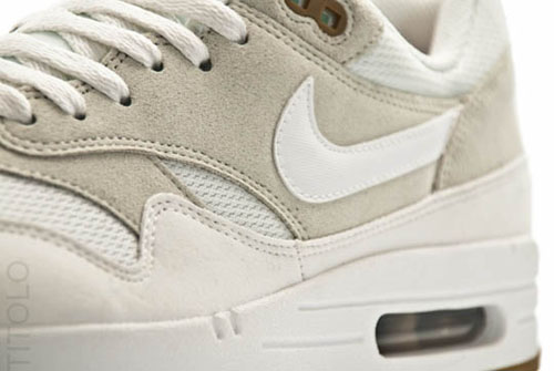 nike-air-max-1-light-bone-summit-white-3