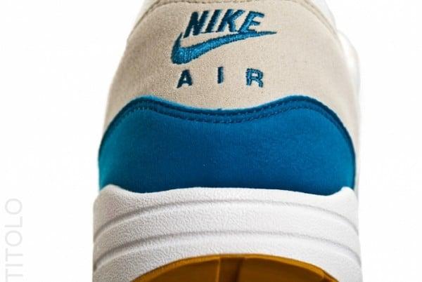 nike-air-max-1-summit-white-shaded-blue-sandtrap-4