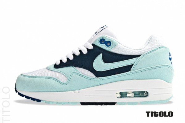nike-wmns-air-max-1-white-mint-candy-obsidian-1